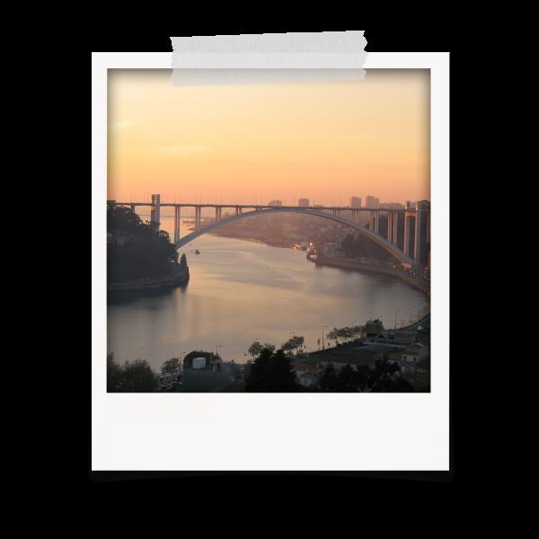 Sunset na Ponte da Arrábida no Porto