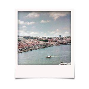 Beira rio de Gaia e as Caves do Vinho do Porto